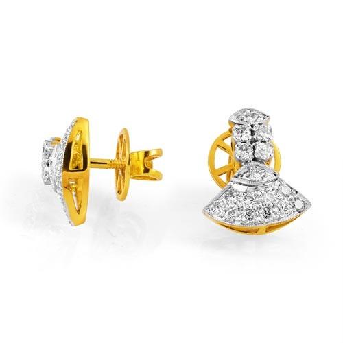4478557c7 0.62ct. diamond earrings set with diamond in traditional earrings