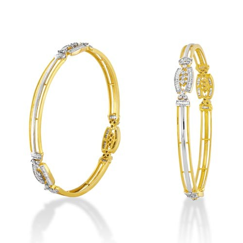 3.08ct. diamond bangles set with diamond in fancy bangles