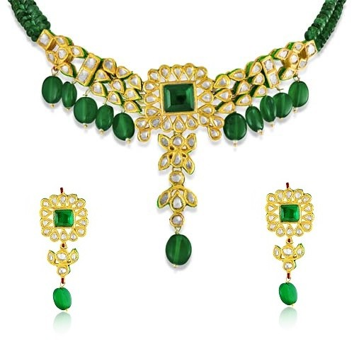 Jadau Necklace set with 4.8cts. Diamonds and Emerald