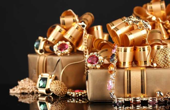10 Suggestions for Buying Jewellery as a Surprise Gift